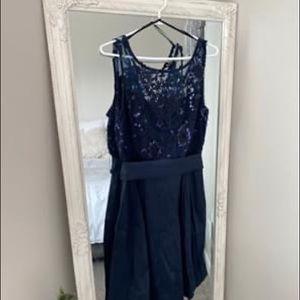 Lè Chateaú Formal Dress